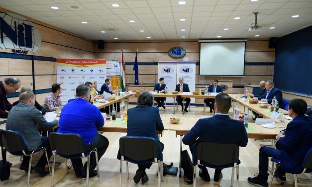 Még mindig ketyeg a bomba Brüsszelben – a magyar fuvarozók valós érdekeinek képviselete a cél