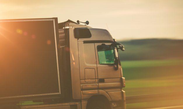 A konténer, cserefelépítmény szállítását érintő jogszabályváltozás betartását ellenőrzik