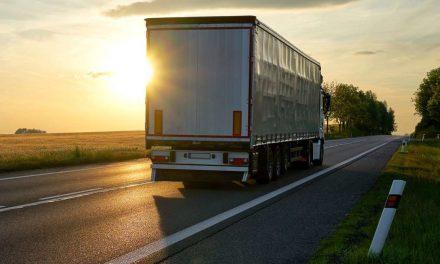 Az EP elfogadta a nemzetközi szállítást végző járművezetők kiküldetésére vonatkozó új szabályokat