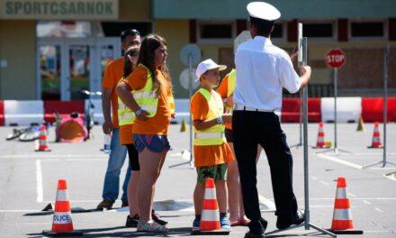 Hogyan tudják felmérni a gyerekek a közlekedési helyzeteket?