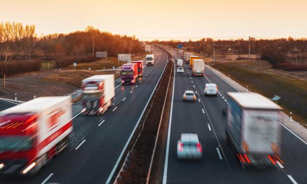 Péntektől drágul az üzemanyag – emelkedhetnek a fuvarozói díjak